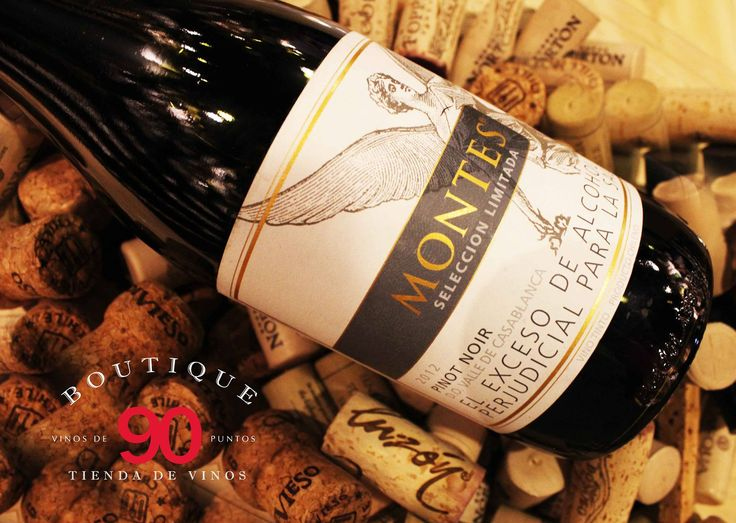Boutique 90, La tienda de vinos al interior del Restaurante Daniel... El lugar perfecto para disfrutar un buen vino! Que tal un Pinot Noir para empezar semana?