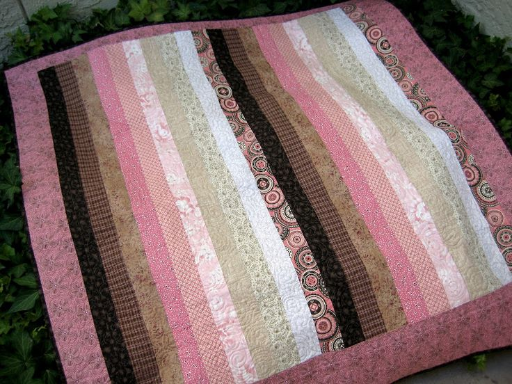 . . . a long time ago . . . {like approximately october of 2007} . . . i swear i posted about this simple little rail fence quilt that i m...