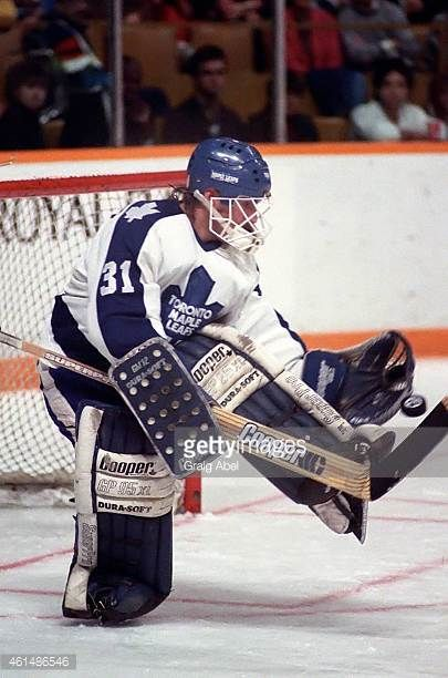 ken-wregget-of-the-toronto-maple-leafs-makes-the-save-against-the-picture-id461486546 (405×612)