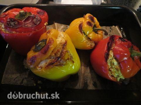 Fotorecept: Pečená paprika s vajíčkovo-cibuľovou plnkou