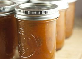 Jalapeno Peach Jam - just finished making this. So easy! Can't wait to try it.