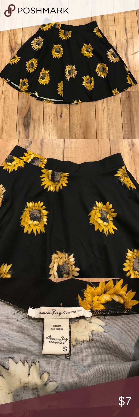 American Rag sunflower skirt American Rag skirt. Worn a few times. Size Small American Rag Skirts