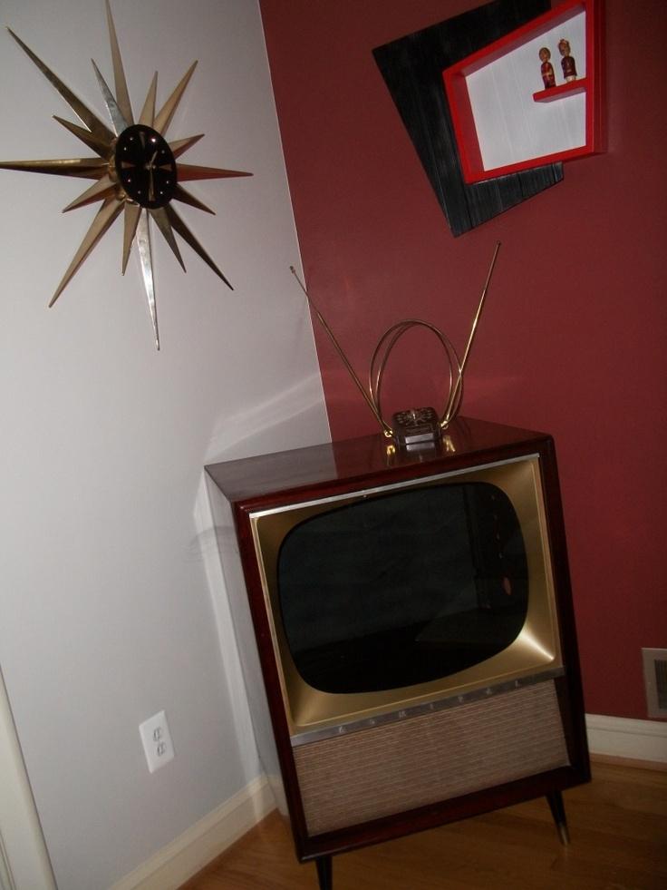 Uncle Atom: Craigslist Find   Vintage TV Cabinet Project