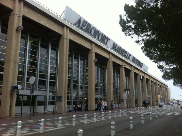 Aéroport Marseille-Provence (MRS) en Marignane, Provence-Alpes-Côte d'Azur