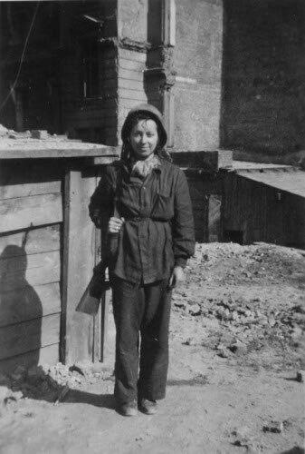 Warsaw Uprising A female Polish partisan, September 1944....