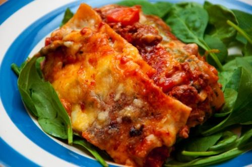 lasagna with mince, eggplant and spinach   .hungry&poor. student food