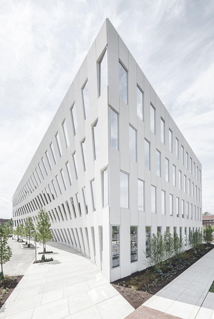 Best 25+ Office buildings ideas on Pinterest | Office building ...