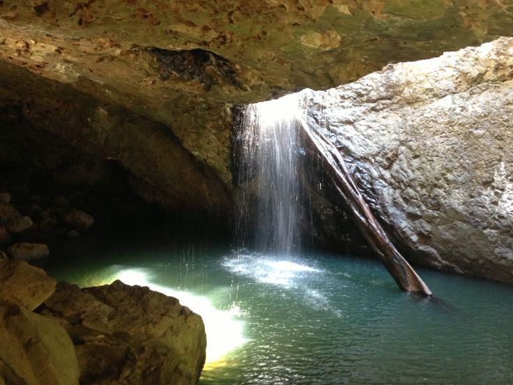 Stunning photo of Natural Arch! (Tour 1) Thanks Ben! #LamingtonNationalPark #daytours #scenicdaytours