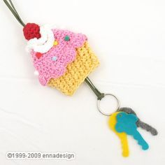 Crochet Cupcake Key Cozy