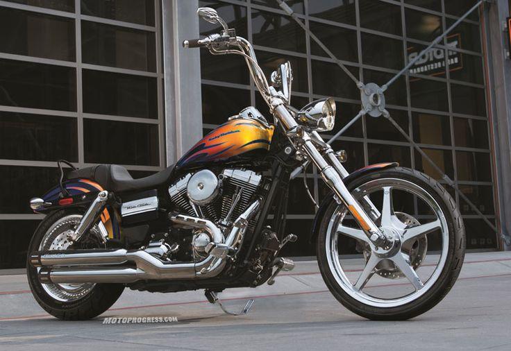Harley Davidson : Dyna Wide Glide de 2014                                                                                                                                                                                 More