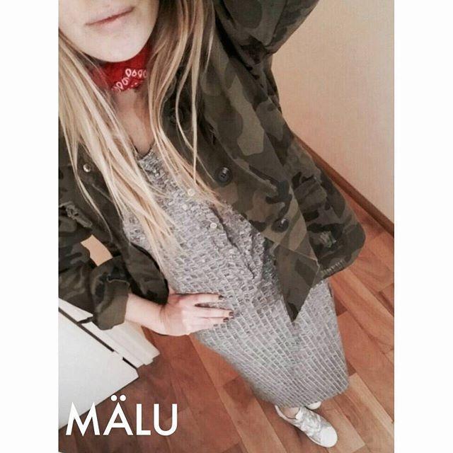 Que el frío te deje estar siempre bien lookeada ☝⛄☃ ❤ Campera camuflada. Talle único ❤ Vestido morley tajo. Talle único ❤ Pañuelo rojo…