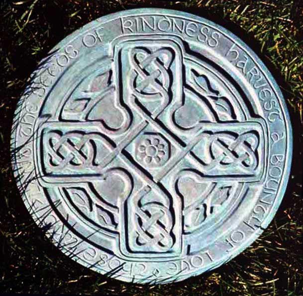 29 best images about celtic garden design on pinterest for Celtic garden designs