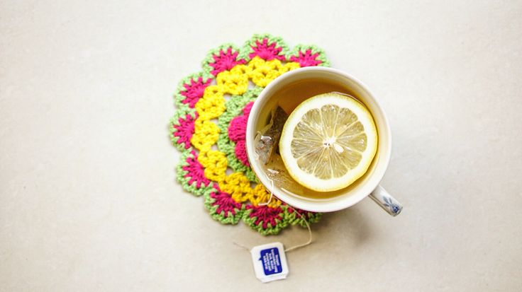 Festive crochet coaster  #merendacrochet #coaster #crochet #colorful