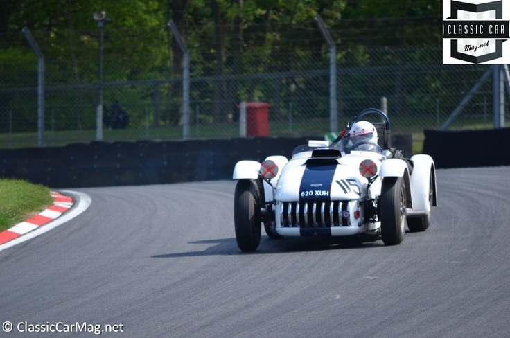 1954 Kurtis 500s driven by Owen and Knill-Jones - Woodcote Trophy