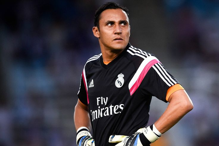 """Uno de los mayores """"ridículos"""" del mercado de fichajes terminó con el costarricense quedándose en el Real Madrid, club que lo menospreció, y con el español de regreso a Manchester United. ¿Será borrón y cuenta nueva?"""