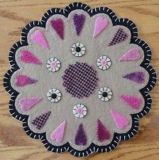 pRiMiTiVe Valentine Candle Mat~Folk Art~Whimsical Pink Wooly Heart Penny Rug~
