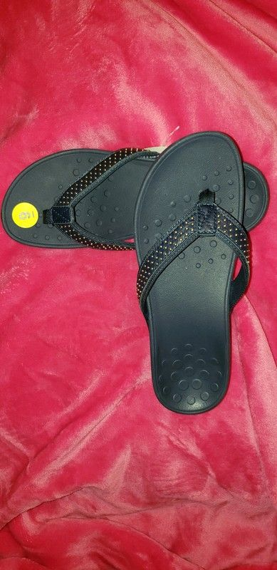 f66bf1f0e56 Brand New - Women s Vionic Orthaheel Flip Flops Sandals Thongs Wedge Size   US 9 High Tide Kehoe Navy Blue   gold Studded .