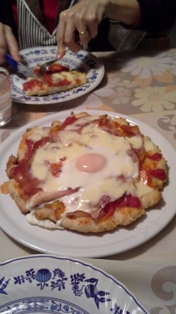 Pizza felix uncuoredifarina alla Buddy (cotto, peperoni e uovo) - gluten free