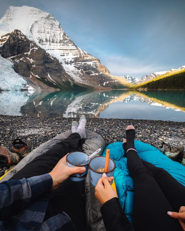 """///Taylor Burk on Instagram: """"Top of the mornin' to ya! We brought our sleeping bags over to the edge of the lake to hang out and eat some oatmeal, the view was alright. 😉""""/// I just can't wait to do this with my sweetheart!!!!! Lovely photo"""