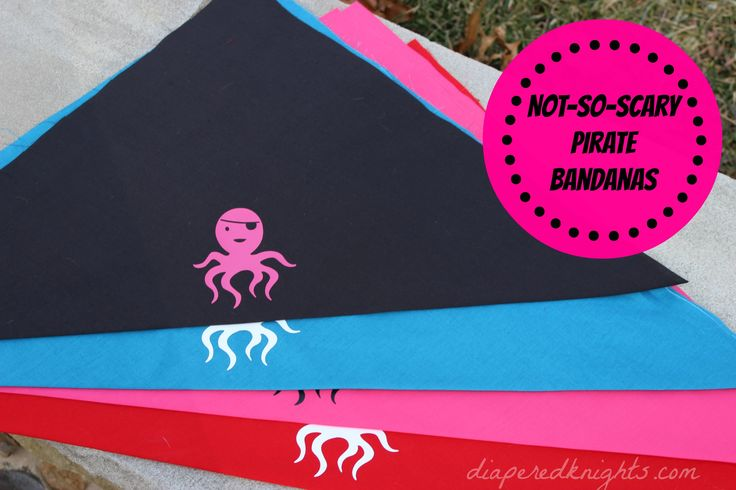 DIY pirate bandana. How to make a pirate bandana for less than the store-bought options. Last minute Halloween costume!