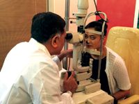 Lasik eye surgery and treatment in Mumbai in reasonable cost by Vission Eyes with best eye care surgeon doctors and specialists at our clinic like other hospitals for operation in Juhu, Mumbai, India.