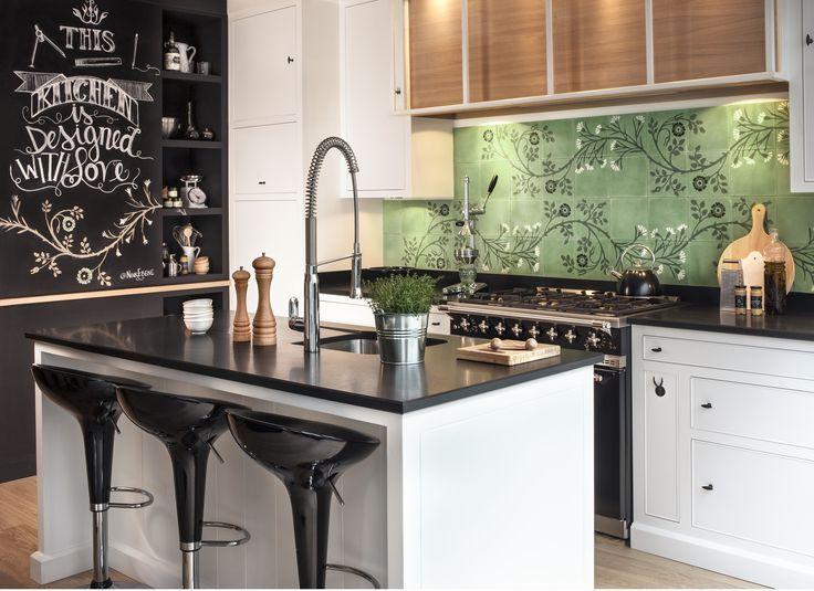 17 meilleures id es propos de cuisine en granit noir sur pinterest cuisine cr me couleurs for Plan de travail marbre cuisine entretien