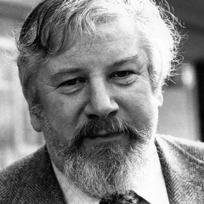 Sir Peter Ustinov Biography - Academic, Film, Theater & Television Actor, Director, Radio & Television Personalty, Journalist, Writer