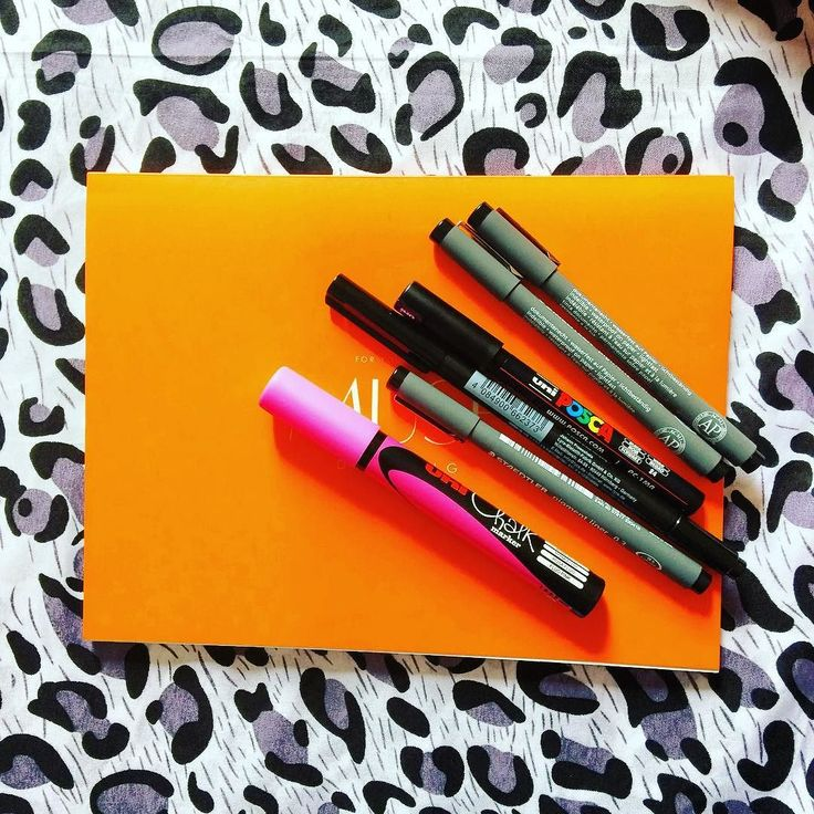 Some of my favorites... MUSE drawing paper @posca_pens marker @staedtlermars liners LYRA brush marker and Chalk marker in fluorescent pink! #artoftheday #art #artsy #artist #marker #arttools #thehappynow #thatsdarling #pursuehappy #pursuepretty #artsupplies #lovemywork