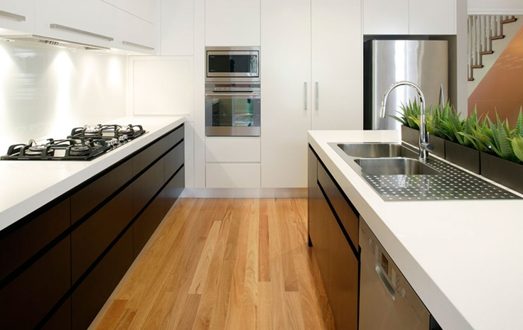 I like the contrast of the dark drawers