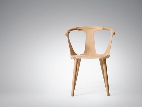 andtradition - In Between Chair - Oak - by Benjamin Hubert