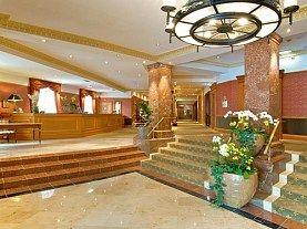 Piata de Craciun Salzburg - Hotel Crowne Plaza the Pitter 4*