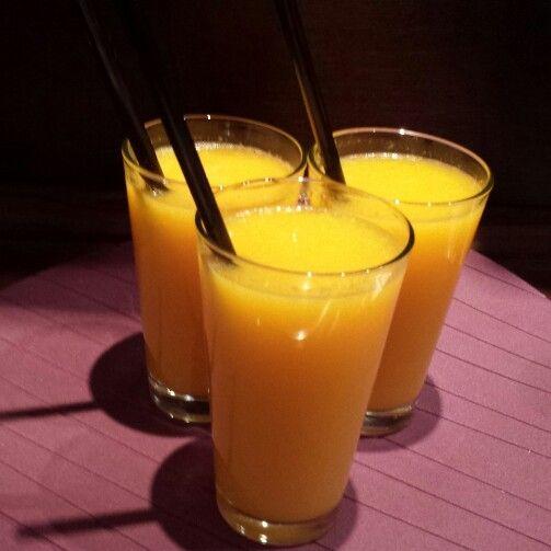 Świeże soki z pomarańczy...