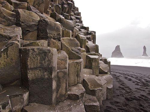 14 Fun Facts about Iceland (Reynishverfi Beach)
