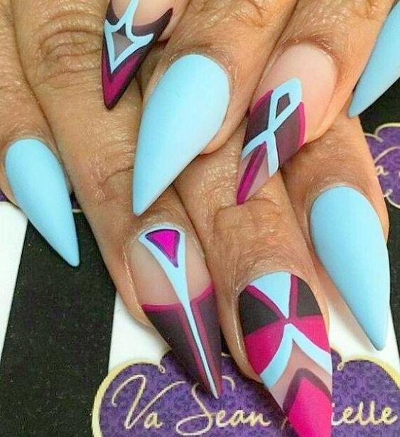 Künstliche Nägel im Nagel Design