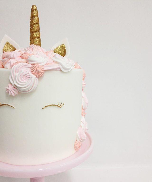 Cute unicorn cake! #sweetandsaucyshop #unicorncake