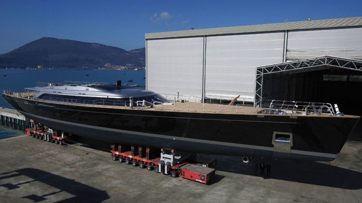 Perini Navi Group's second biggest #Perini ever built in terms of gross tonnage, #SYSybaris, now has her mast in place.   We're looking forward to her joining the fleet, and seeing how she fares against her older siblings such as multi-regatta winner, and our client #SYP2.  #SuperyachtFinishingService www.absoluteboatcare.net