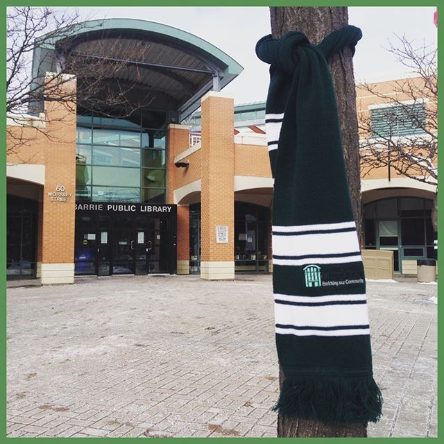 Great idea @barriepubliclibrary warming the hearts, minds and even bodies of their #readers! #getoutandplay #getoutandread #readabook #visitbarrie #scarf