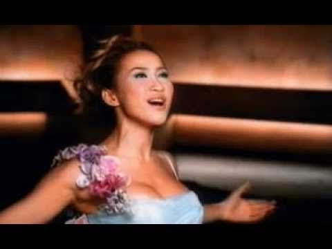 """Runaway Bride"" Singer CoCo Lee - Before I Fall in Love Music Video Runaway Bride is a 1999 American romantic comedy film starring Julia Roberts and Richard ..."