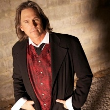 "BILLY DEAN >> FREE SHOW << 5 p.m. 3rd and Lindsley * Wednesday, September 26th * Billy has transcended genres with his unique repertoire earning numerous awards, including: The Academy of Country Music's Song of the Year ""Somewhere In My Broken Heart"", ACM New Male Vocalist of The Year, BMI Pop Awards, BMI Song Awards, BMI Million Air Plays Award, Country Music Television Rising Star Award, NSAI Song of The Year, and a Grammy for a Country Tribute ""Amazing Grace""."