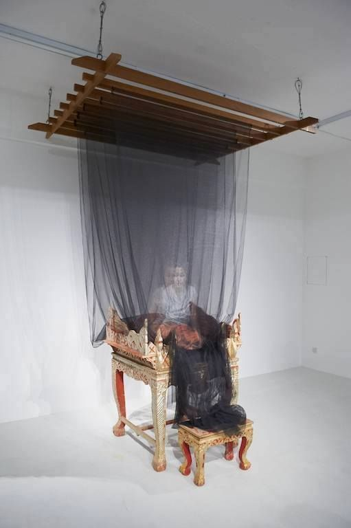 Holographic Portraits Painted on Delicate Layers of Fabric and Netting - My Modern Met, Thai artist uttaporn-nimmalaikaew