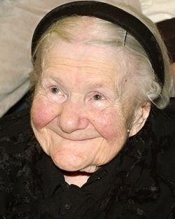 Irena Sendler (1910 - 2008) Una mujer católica polaca que ayudo a salvar a mas de 2.500 niños judíos del holocausto.