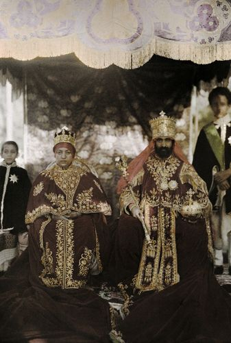 Autochrome: W. Robert Moore The monarchs Haile Selassie the First and Manen, pose in their robes. Ethiopia, Africa.