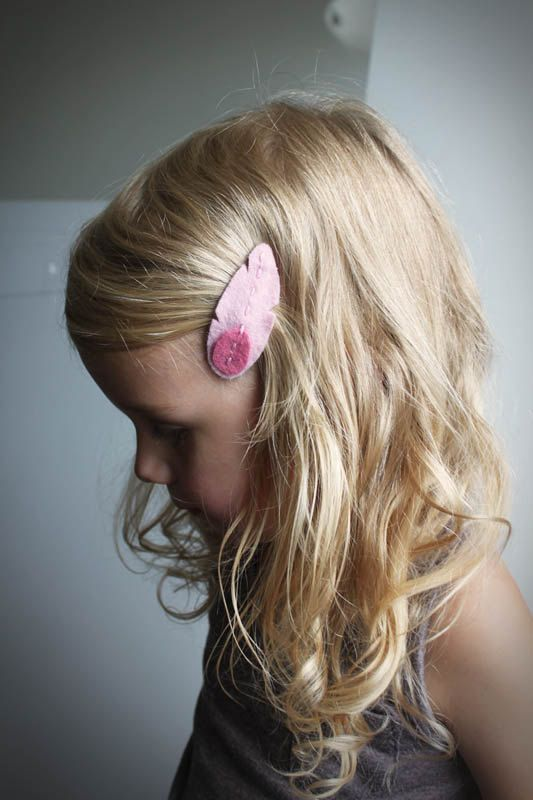 Pink Feather Hair Clips  Little Girls by PaperdollAccessories - How very sweet!  Made with wool felt from FeltOnTheFly.com