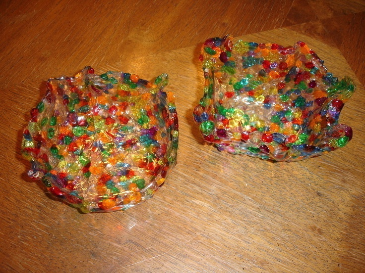 Melted Bead Bowl: Projects, Easy Bowls, Crafts Ideas, Plastic Beads, Diy Crafts, Kids Crafts, Melted Mardi Gras Beads, Melted Bead Bowl, Melted Beads Bowls