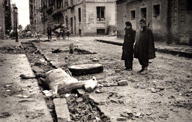 Barrio de Arguelles (Madrid). Diciembre 1937 El fascismo se alimenta de sangre.