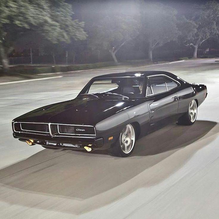 von Jill Potters.legends – Schöne 69 Ladegerät! Ausgestattet mit einer Viper V-10! Ph …   – Coole Autos