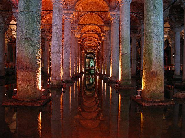 海外旅行世界遺産 地下宮殿 イスタンブール歴史地域の絶景写真画像ランキング  トルコ