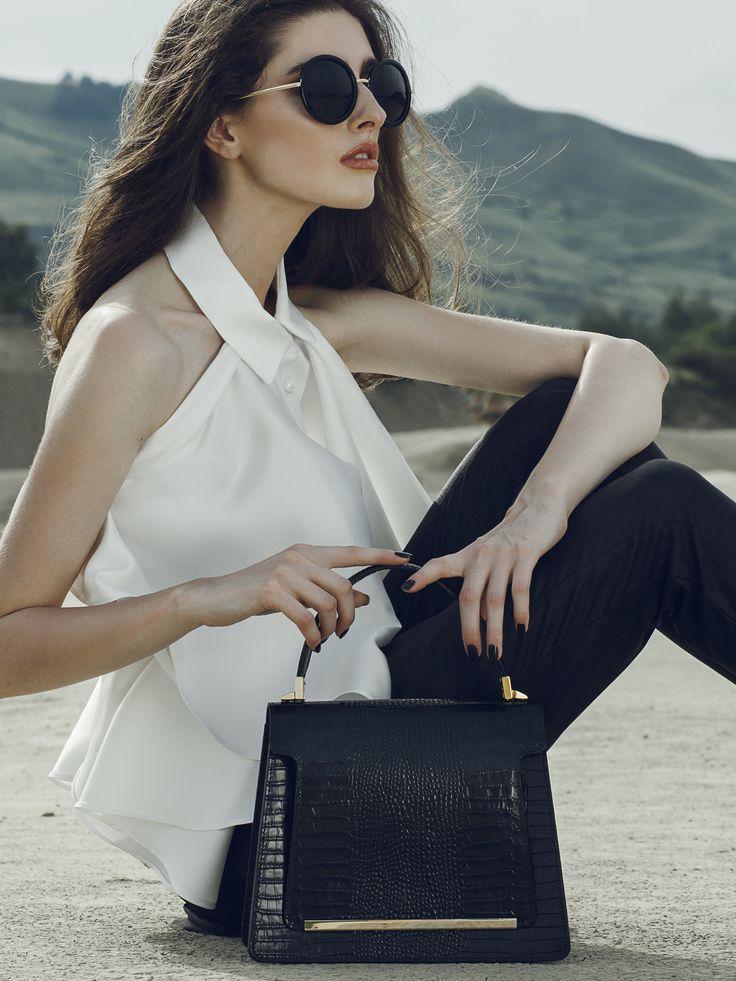 Black leather handbag with croco effect@wild