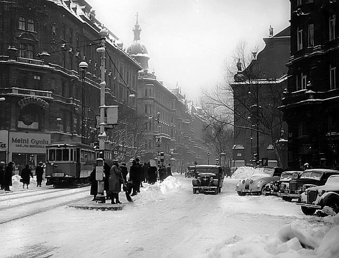 Budapest [c. 1950].