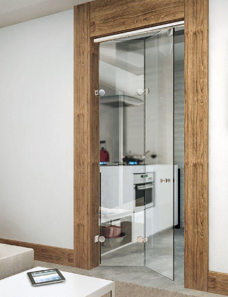 Na loja Pronto Socorro do Vidro, o kit de ferragens da Ideia Glass custa R$ 421,80. O vidro temperado sai por R$ 186 o m² instalado.